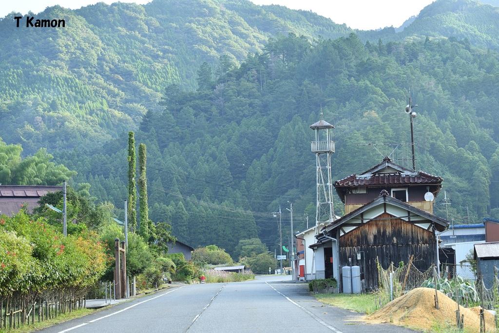 火の見櫓のあるかかしの村(田舎シリーズ⑪)