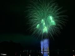 ペーロン花火~空を緑に染めて