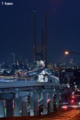 夜の「H型」橋梁ⅰ
