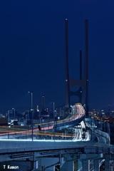 夜の「H型」橋梁ⅱ
