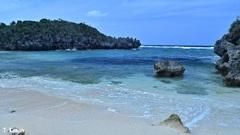青い海と白い浜