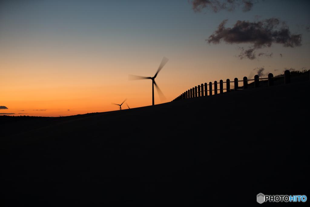 夕焼けと風。