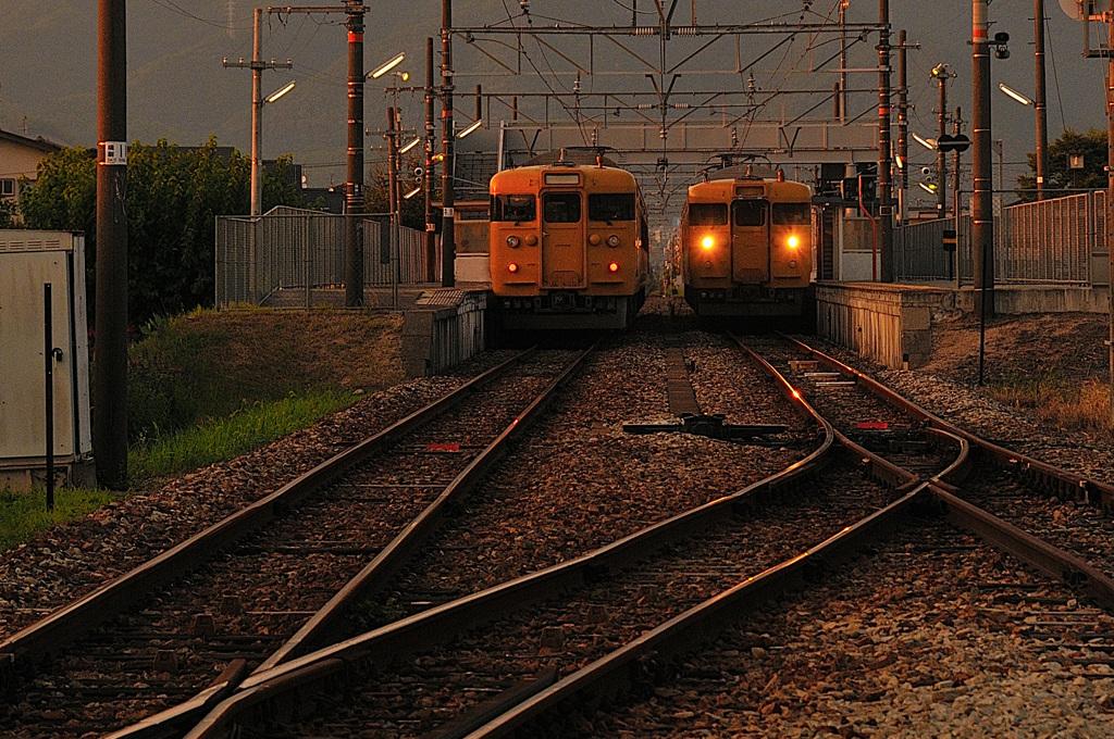 夕暮れの長船駅