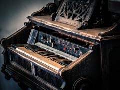 Piano? Organ?