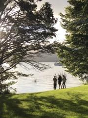 湖畔の散歩
