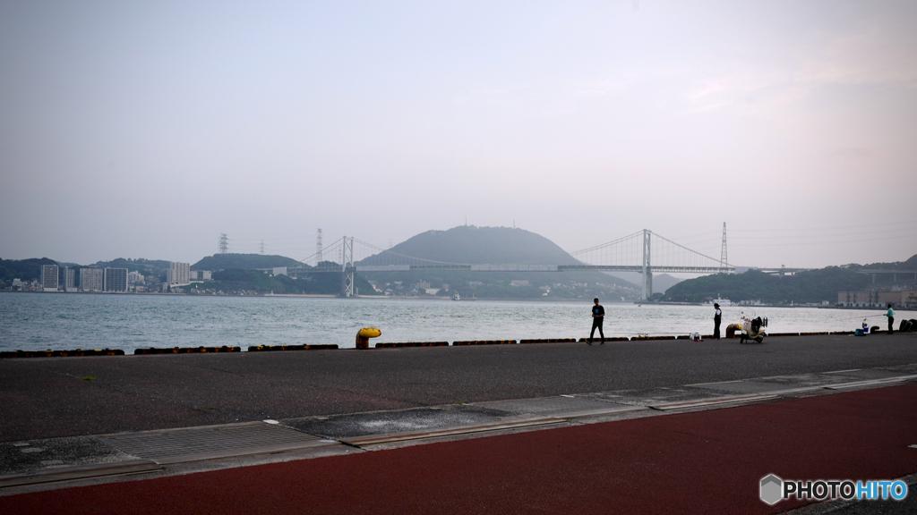 ランドスケープ:関門海峡の朝