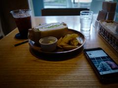 Cafe Bridge で朝食を