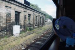 もうすぐ人吉駅、小さな旅人