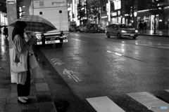雨の銀座で