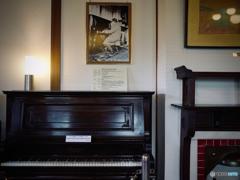 奈良ホテル ロビー・アインシュタインピアノ