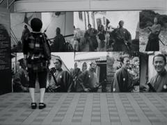 駅前 写真展(福山雅治 坂本龍馬 写真と辿る旅 展)