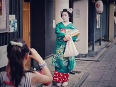 本日の : 祗園の舞妓さん