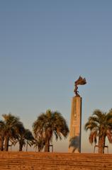 ヨットハーバーの銅像