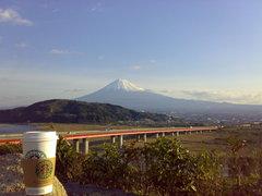 スターバックスと富士山2