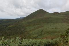 チセヌプリ登山道