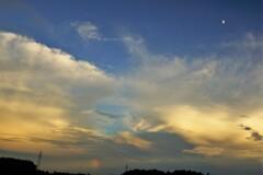東の空の夕焼け