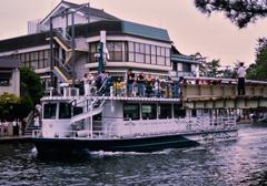 観光船が通る