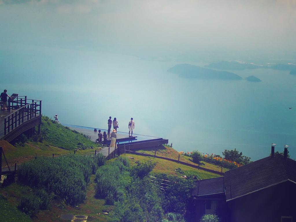 琵琶湖の青