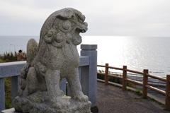 金沢への帰り道にちょっと寄り道 海岸沿いの神社 狛犬さん