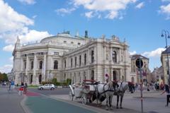 ウィーン ブルク劇場と馬車