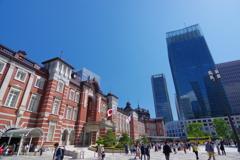 東京散歩 東京駅 確かこのあたりでゴジラが・・・