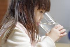 正月 姪 水が好きみたいです。