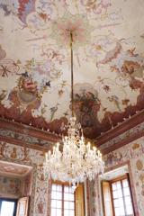 Belvedere Museum 綺麗な天井絵とシャンデリア