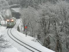 只見線 雪の早戸駅