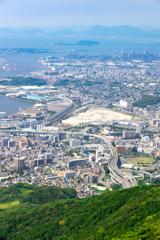 皿倉山山頂から眼下を望む