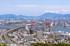 高塔山公園から若戸大橋を望む