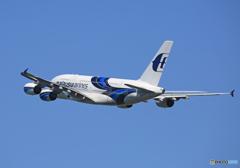 「青が大好き」 Malaysia A380-841 9M-MNE 飛び立ち