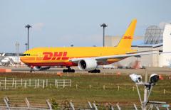 「良い空~」DHL AeroLogic 777-FBT  離陸です