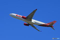 「青の空」Lion Air  A330-343 HS-LAJ  Takeoff