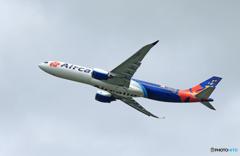 「くもり」Air Calin A330-941 F-ONEO  離陸