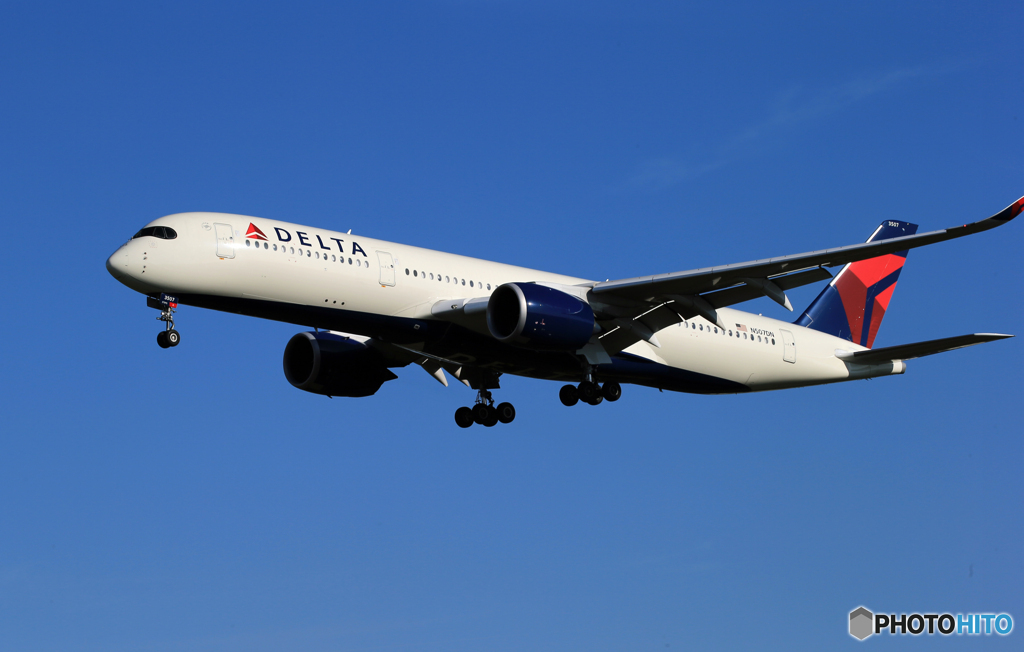 「Blue」DELTA A350-941 N408DX  着陸します