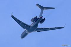 「青が大好き」プライベート機ボンバルディアBD-700 飛ぶ