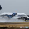 「青」? malaysia A380-841 9M-MND出発です