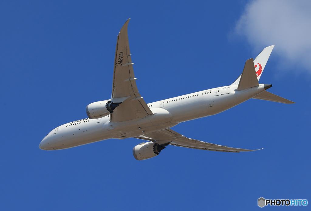 「青い日」 JAL 787-9 JA871J 離陸