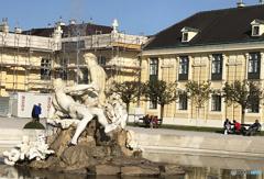 ウイーン(458)シェーンブルン宮殿前の噴水