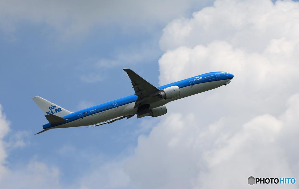 「すかい」 KLM 777-306 PH-BVS 出発します