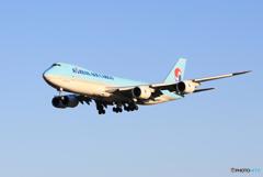 「青の空」KOREAN  747-8 HL7610  Landing