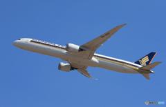 「あおいそら」 Singapore 787-10 9V-SCC Takeoff