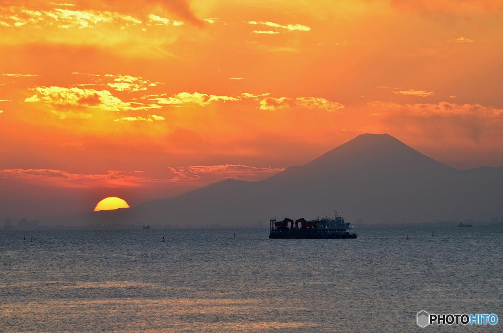 ☀「青い空」が一番 夕 焼 け の 富 士 山 を 見 る