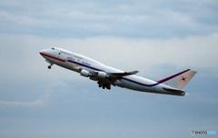 「良い天気」?Korean 政府機747−4B5  離陸です