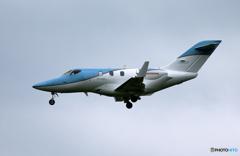 「くもり」ホンダジェット・プライベート機   着陸