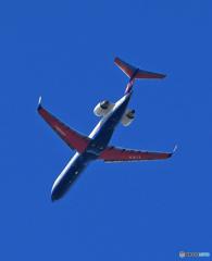 「ぶるー」IBEX ボンバル CRJ-702 JA05RJ 離陸します