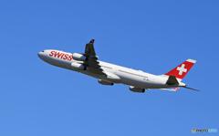 「スカイ」SWISS A340-313 HB-JMC 行って来ます