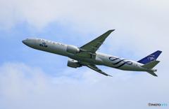☆「ブルー」KLM 777-306 SKY PH-BVD