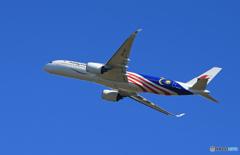 「青色が好き」マレーシア A350-941 9M-MAF 離陸です