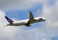 ☀「青い空」が一番 LOT 787-9 SP-LRC 飛ぶ